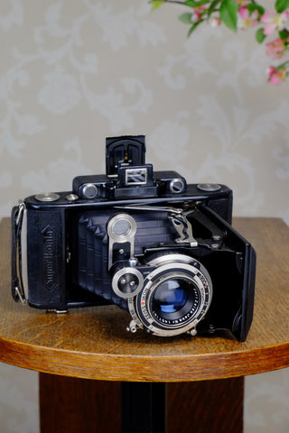 Superb! 1933 Zeiss Ikon Super Ikonta 6x9, with coated Zeiss Tessar lens, CLA'd, Freshly Serviced! - Zeiss-Ikon- Petrakla Classic Cameras