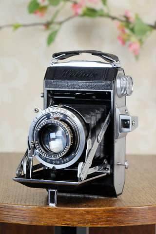 Superb! 1938 Welta Weltax 6x6, complete with 6x4.5 reduction mask, CLAd, Freshly Serviced! - Welta- Petrakla Classic Cameras