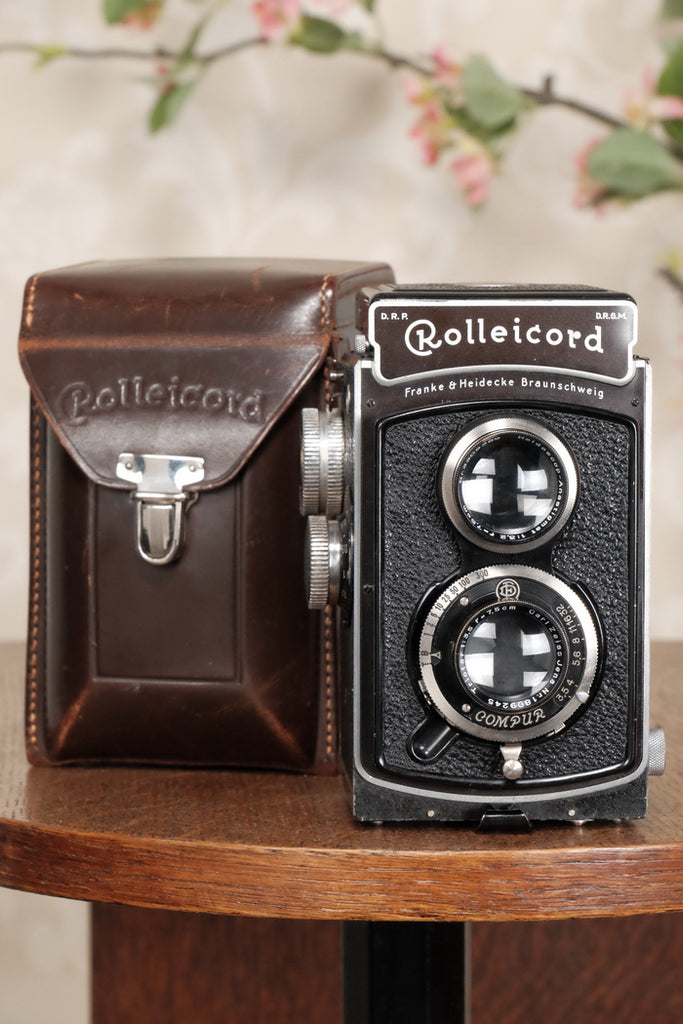 SUPERB! 1936 Rolleicord with leather case. CLA's, Freshly Serviced! - Frank & Heidecke- Petrakla Classic Cameras