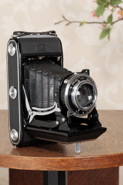 Superb! 1949 Zeiss-Ikon Ikonta 6x9 Folding Camera, Tessar lens, CLA'd, Freshly Serviced! - Zeiss-Ikon- Petrakla Classic Cameras