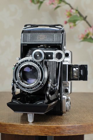 Superb! 1952, 6x9 Super Ikonta 531/2, Synchro-Compur & Coated Zeiss Tessar lens, Freshly serviced!