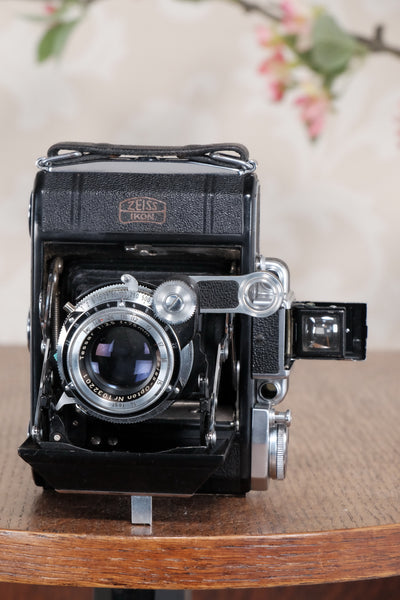 Superb! 1952 Zeiss Ikon Super Ikonta, Synchro-Compur & Coated Tessar, CLA'd, Freshly Serviced! - Zeiss-Ikon- Petrakla Classic Cameras