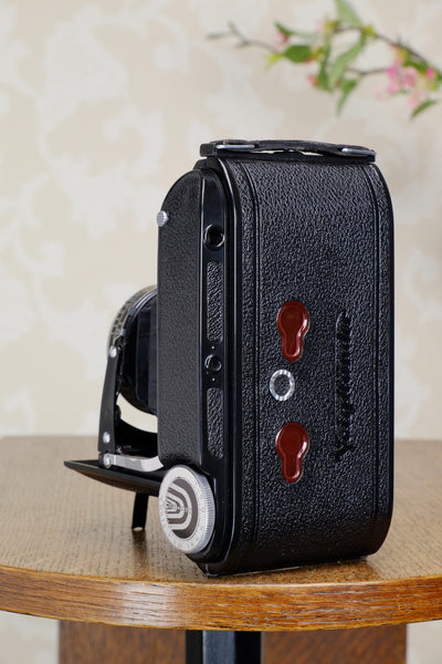 Stunning! 1947 Voigtlander 6x9 Bessa Rangefinder with Color-Heliar lens. Freshly Serviced!