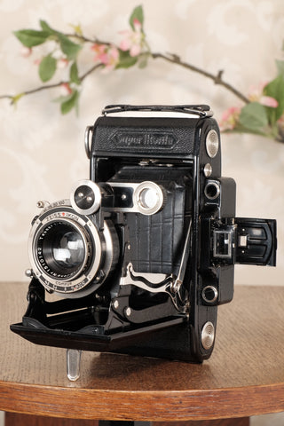 SUPERB! 1934 Zeiss Ikon Super Ikonta C, 6x9, Tessar lens, CLA'd, Freshly Serviced!