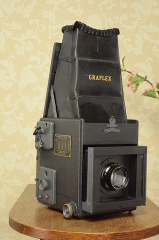 Superb 1930's Graflex! Medium Format 6x9 SLR Camera, 120 Roll-film