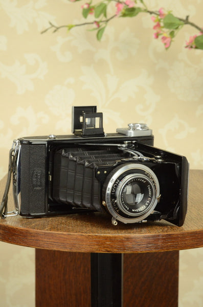 Near Mint! 1938 Zeiss-Ikon Ikonta 6x9, FRESHLY SERVICED - Zeiss-Ikon- Petrakla Classic Cameras