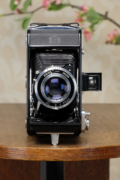 Near Mint! 1952 Zeiss-Ikon Ikonta 6x9, Coated Tessar lens, FRESHLY SERVICED! - Zeiss-Ikon- Petrakla Classic Cameras