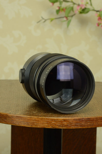 Excellent! Beautiful Pentacon / Meyer-Optik f4.0 300mm lens for 6x6, 35mm & digital formats. - Pentacon- Petrakla Classic Cameras