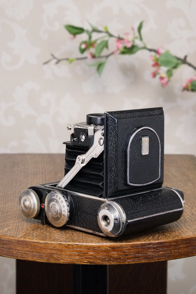 Excellent! 1939 PLAUBEL ROLL-OP! 6x4.5 COUPLED RANGEFINDER CAMERA. Freshly Serviced!
