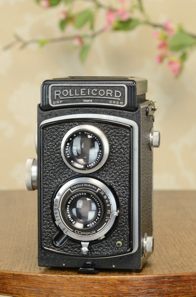 NEAR MINT! 1939 Rolleicord, FRESHLY SERVICED!