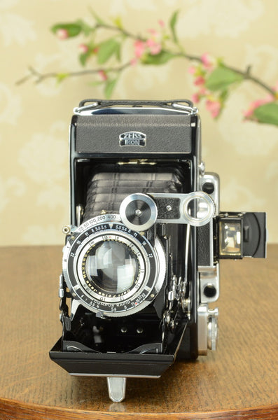 NEAR MINT! 1938 6x9 Super Ikonta with Tessar Lens, FRESHLY SERVICED
