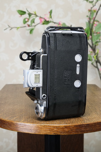 SUPERB! 1952 Zeiss-Ikon Super 6x9 Ikonta 531/2, Synchro-Compur & Coated Zeiss Tessar lens. Freshly Serviced! - Zeiss-Ikon- Petrakla Classic Cameras