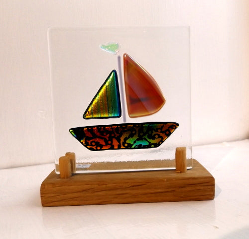 Glass Panel - Yacht on a wooden stand