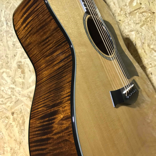 Taylor 618E Grand Orchestra Electro Acoustic Guitar (Second Hand)