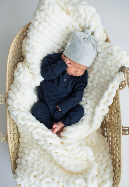 Newborn Knotted Hat