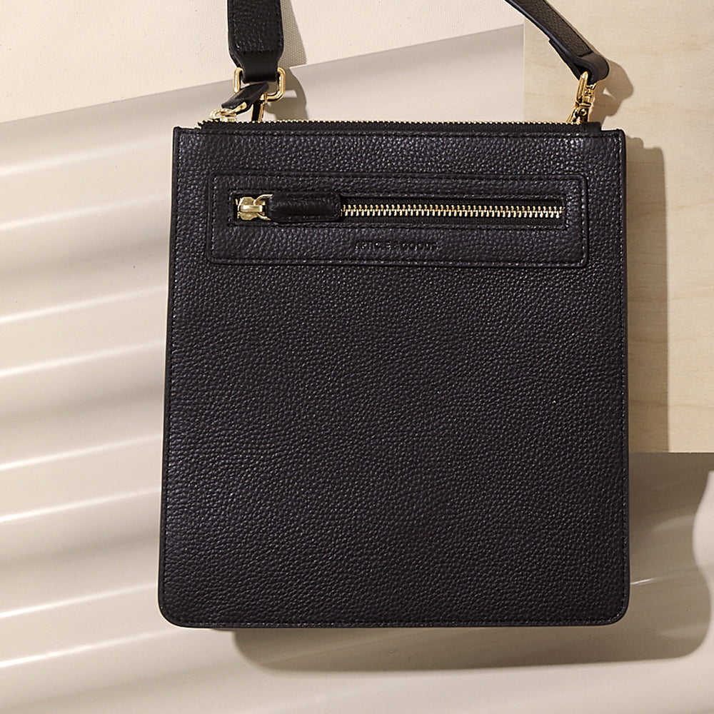 Slim Messenger Crossbody  - No° P1 - Black Pebble Grain