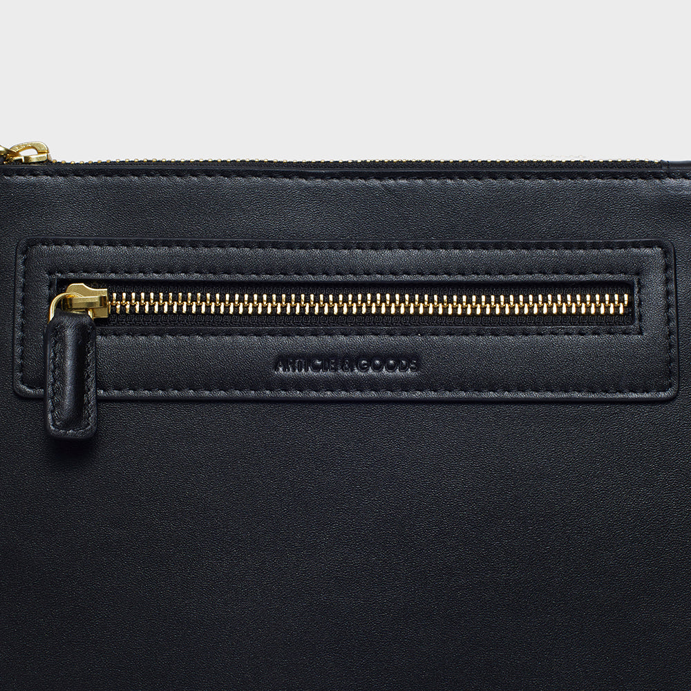 Slim Messenger Crossbody - No° Q1 - Black Smooth Nappa