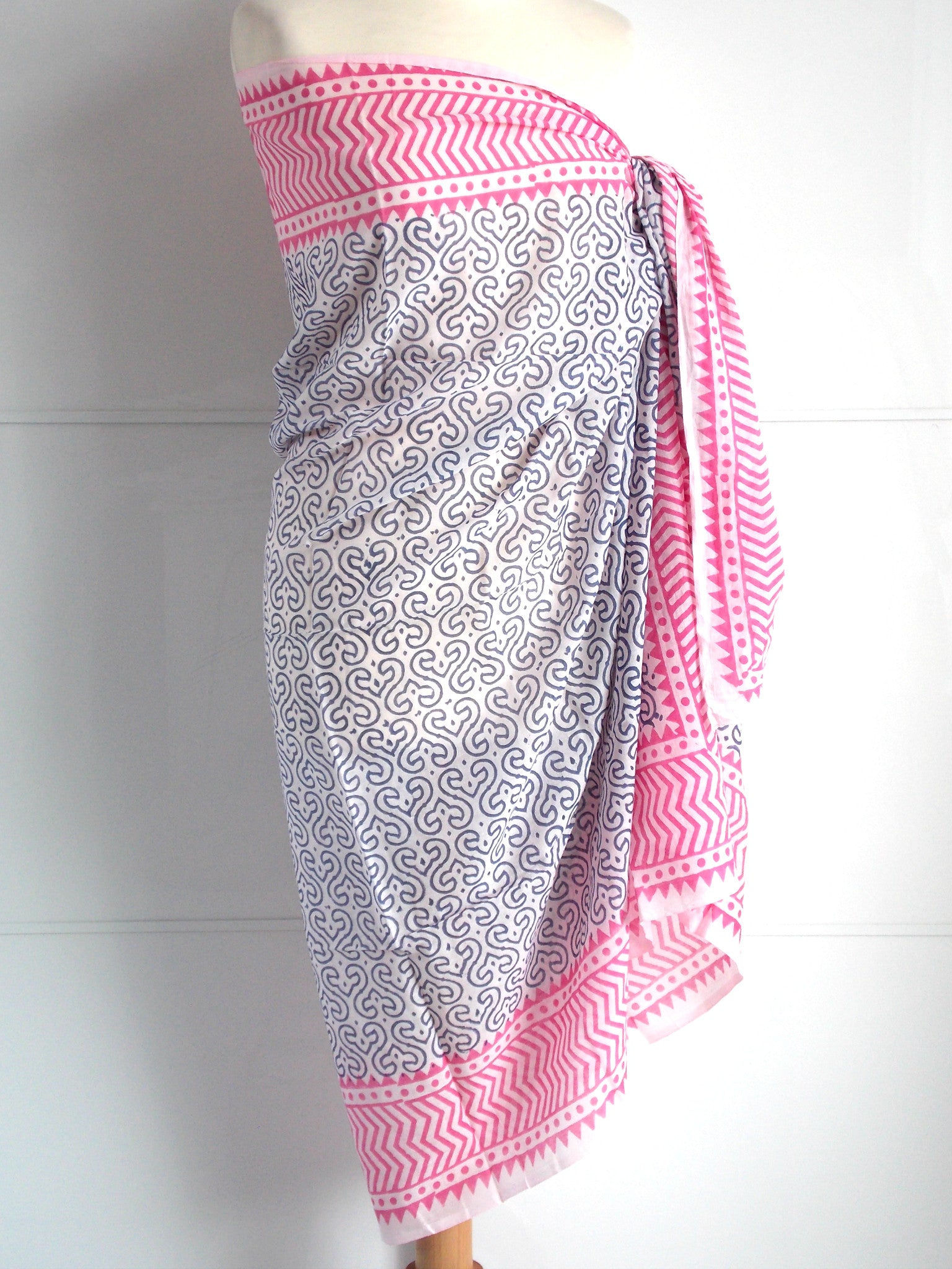 Keya Sarong - Grey & Pink - An Indian Summer