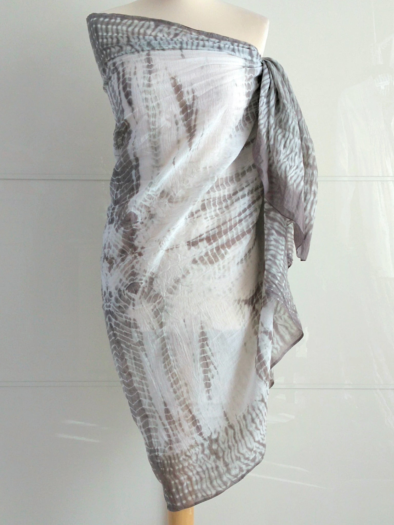 Shibori Sarong - Grey & White - An Indian Summer
