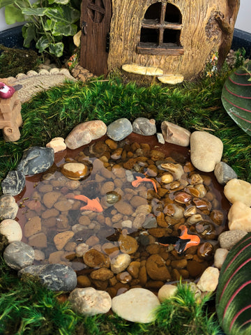 Koi Pond, Medium