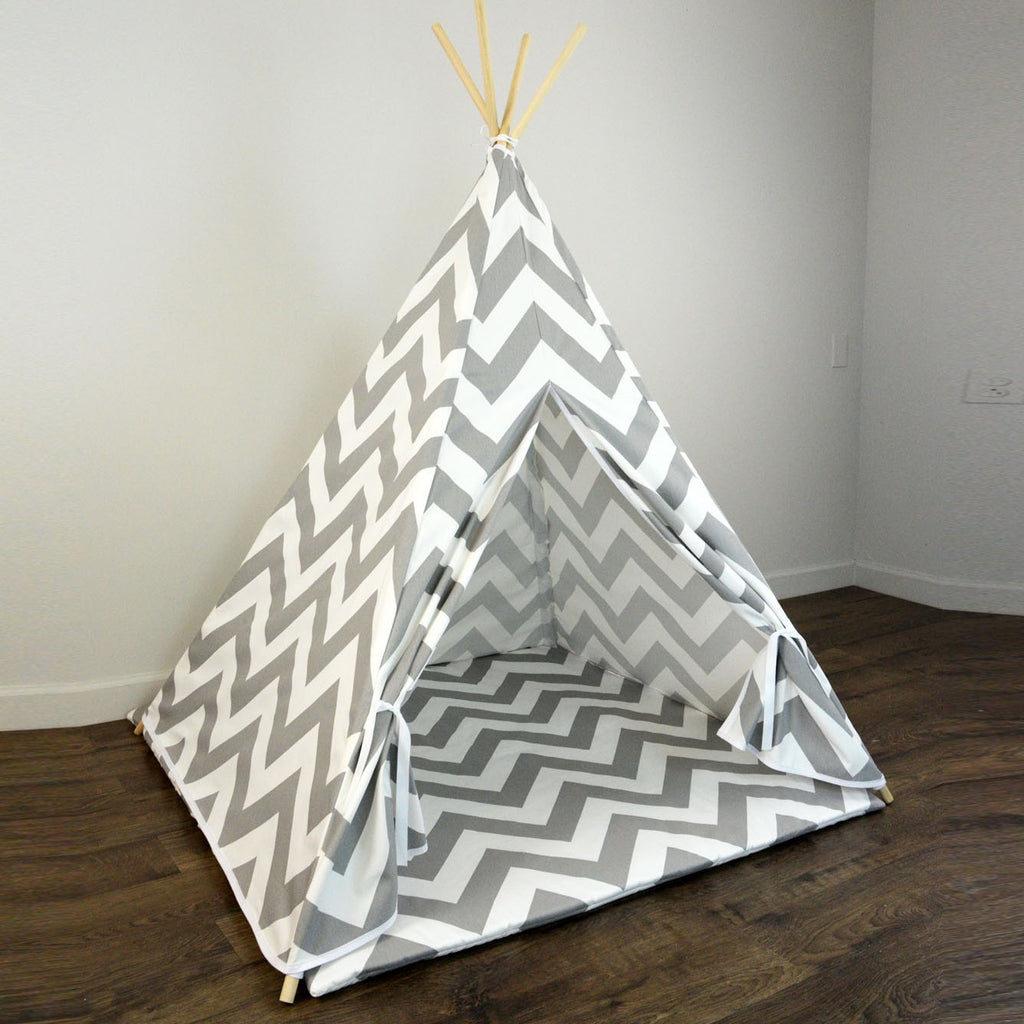 outlet store 984d0 2342f Kids Teepee Tent with Matching Mat in Gray and White Large Chevron Zig Zag
