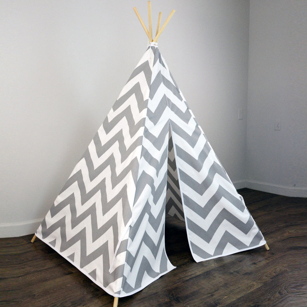 new styles 038a3 3bd92 Kids Teepee Tent in Gray and White Large Chevron Zig Zag