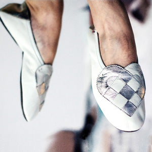 https://www.aandreassen.com/collections/featured/products/copy-of-lille-elskling-slipper-leather-white