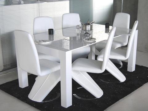 Dining Table in Glass