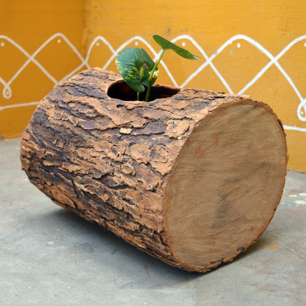 Veambu Planter | Neam wood planter