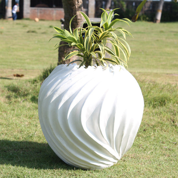 Outdoor Planter Pot | Suzhal Planter