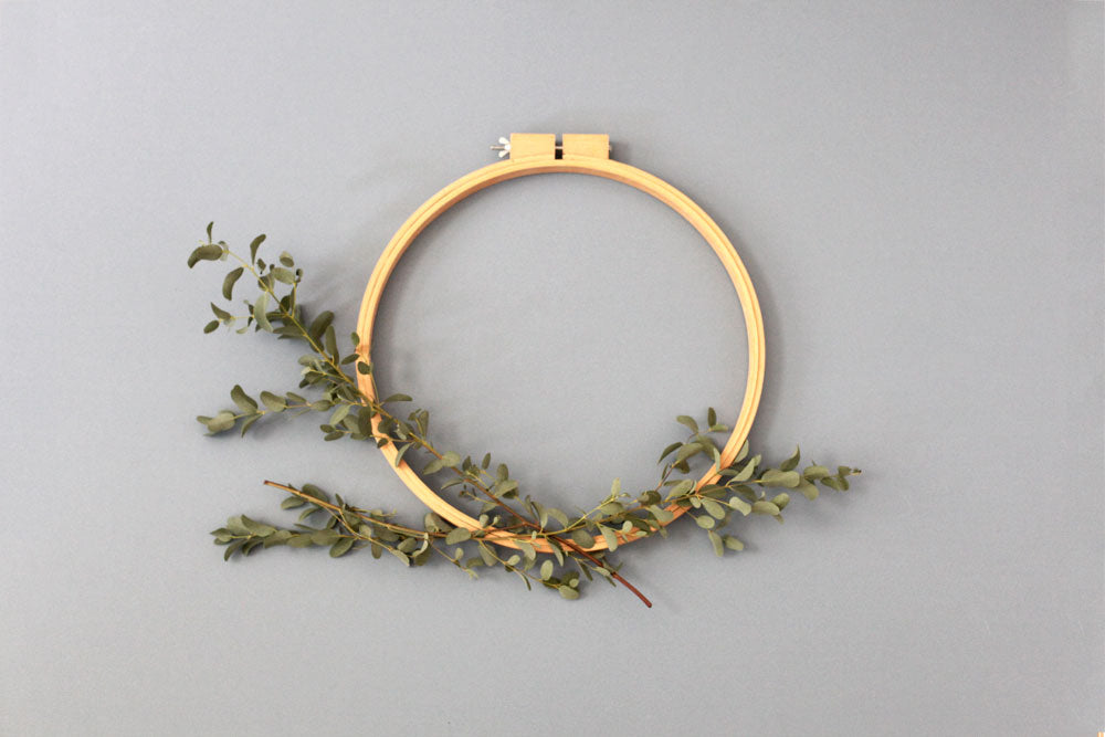 DIY Holiday wreath simple and elegant