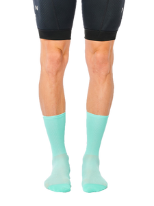 FINGERSCROSSED classic celeste cycling socks