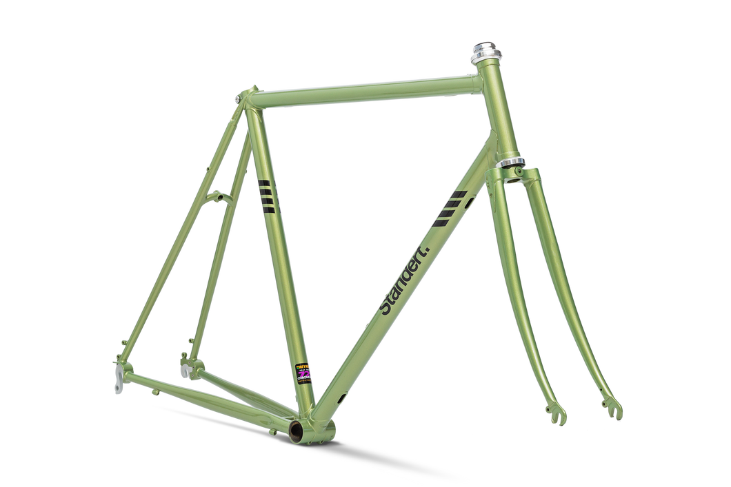 Herr Standert SSFW18 | Frameset | Big Apple Green