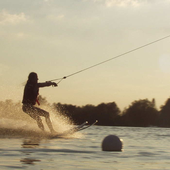 How to choose the right water ski - 88 Gear