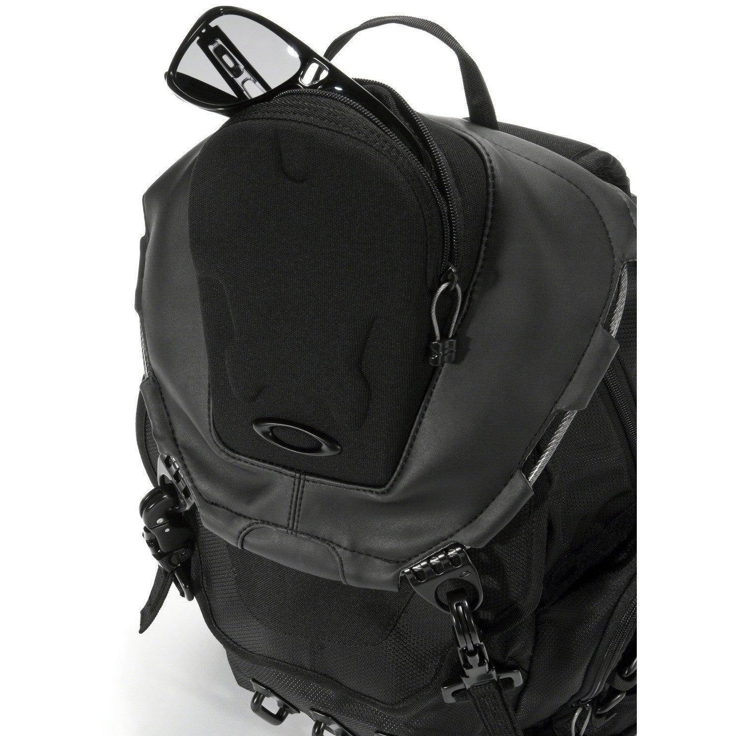 oakley kitchen sink vs bathroom sink backpack
