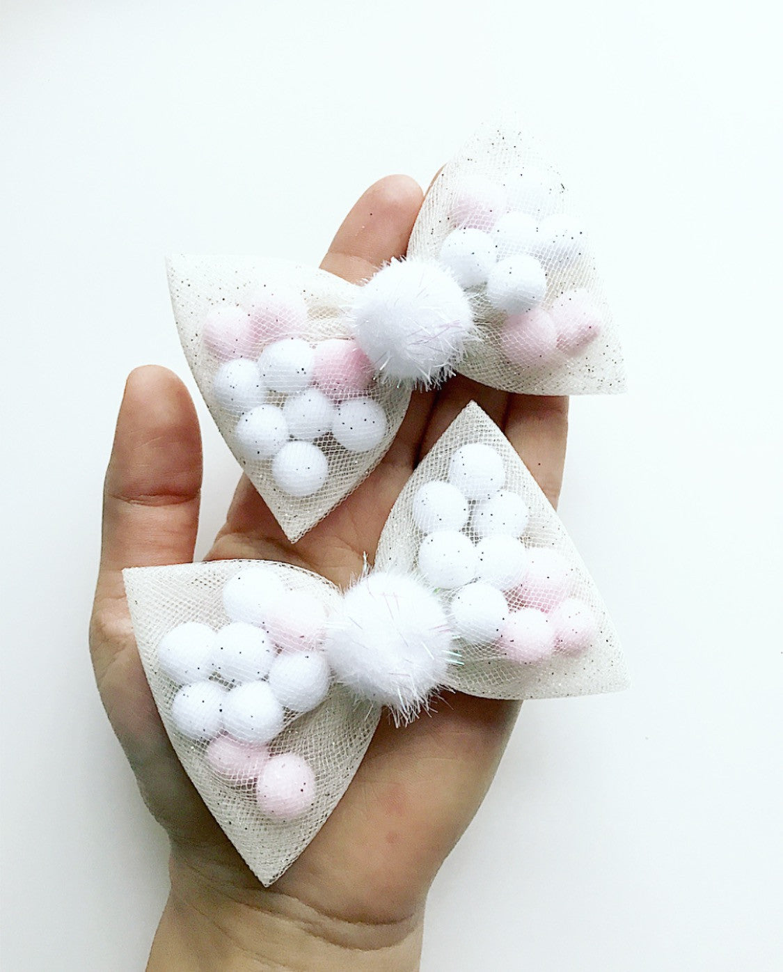 Cotton Tail pominnie bow