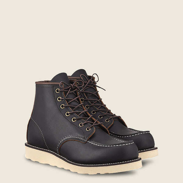 RED WING SHOES // Classic Moc // Black