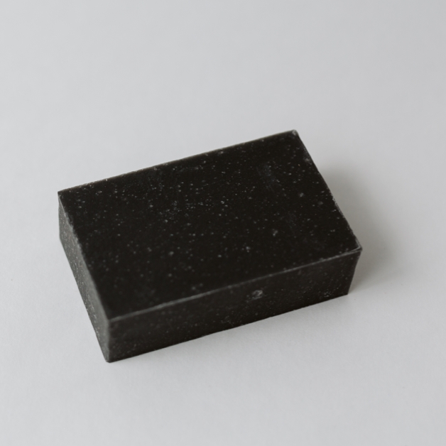 Load image into Gallery viewer, HARDWORKING GENTLEMAN // TEA TREE CHARCOAL SOAP