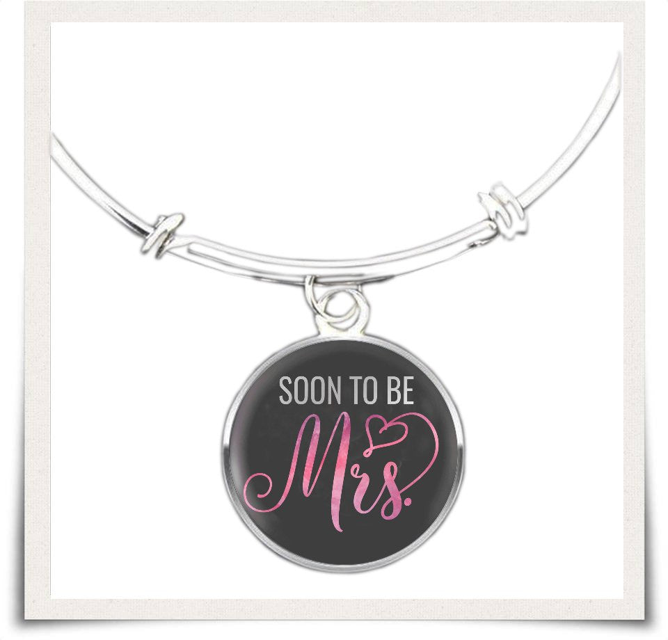 Soon to be Mrs Necklace & Bangle