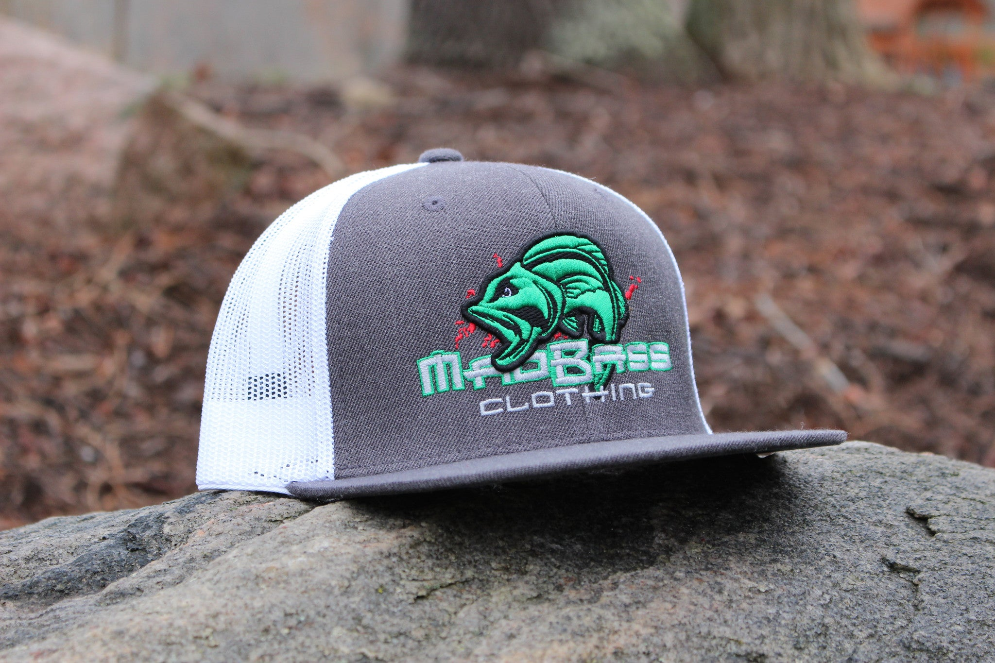 Mad bass flatbill snapback hats mad bass clothing for Fishing flat bill hats