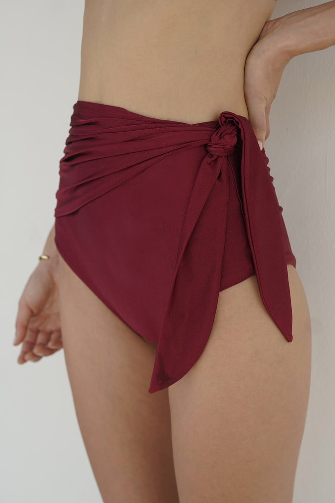 Sumi Bottom (Garnet)
