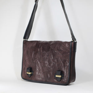 Darkbrown unisex leather messenger bag made in Italy