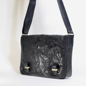 Black unisex leather messenger bag made in Italy