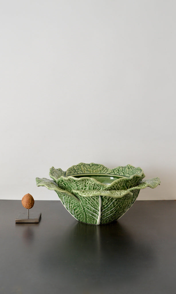 Cabbage bowl with lid ceramic