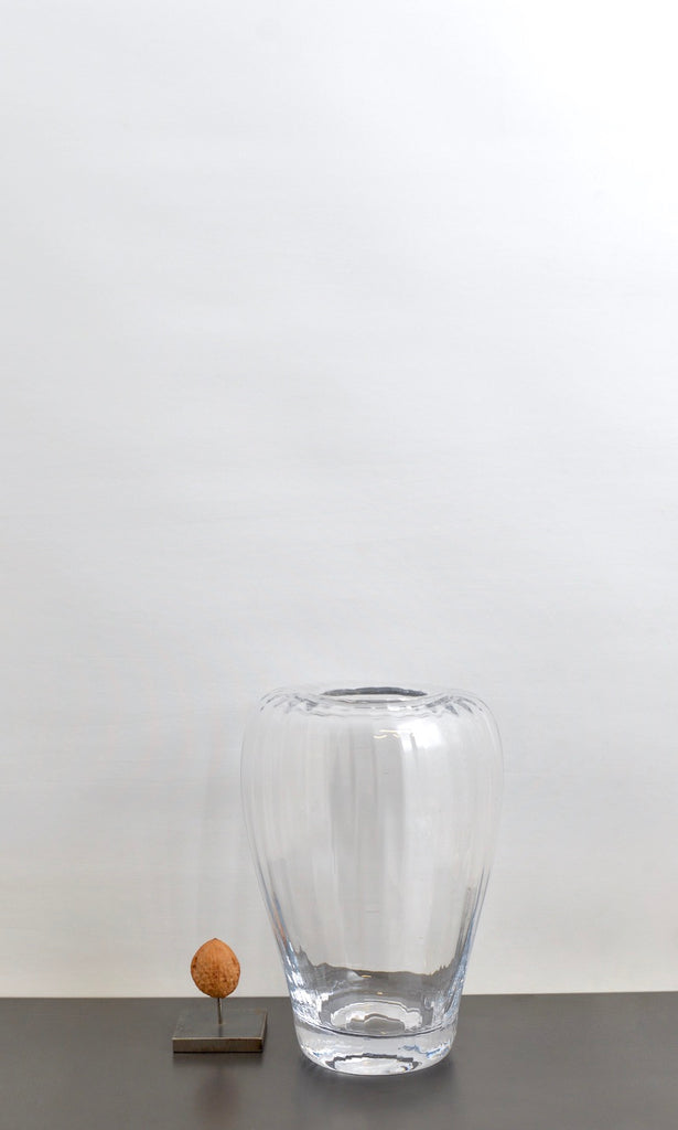 Clear glass ribbel vase