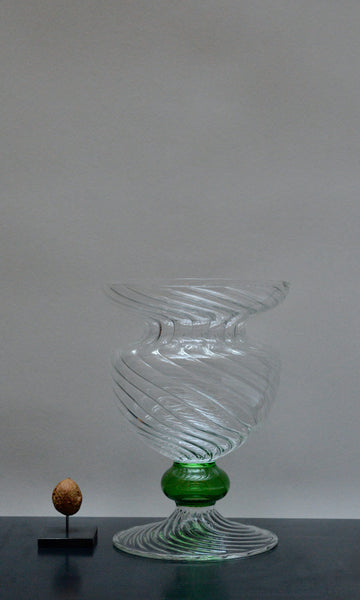 Borosilicate glass vase clear wave