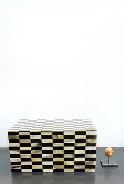 Cow horn box checkered