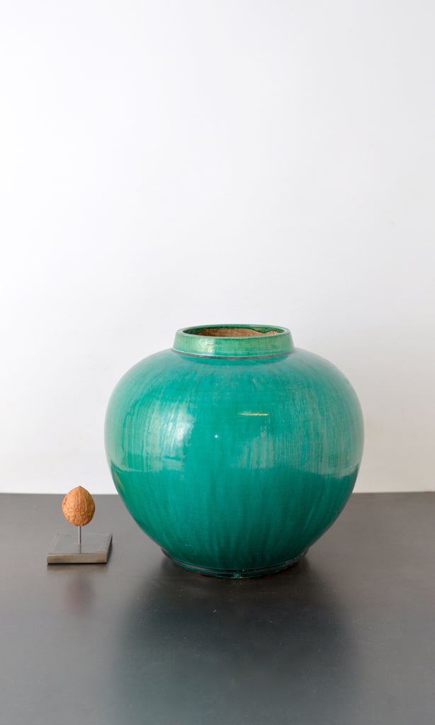 Green pot round ceramic