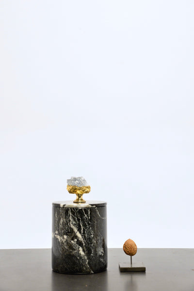 Black marble box (high) with Celestine stone
