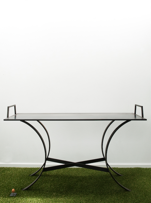 Steel traytable by Ueli Signer